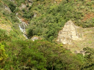 A waterfall and ruins we saw as we approached Aguas Calientes